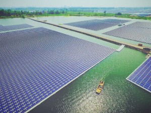 black-technologies-in-the-world-s-largest-floating-solar-power-station